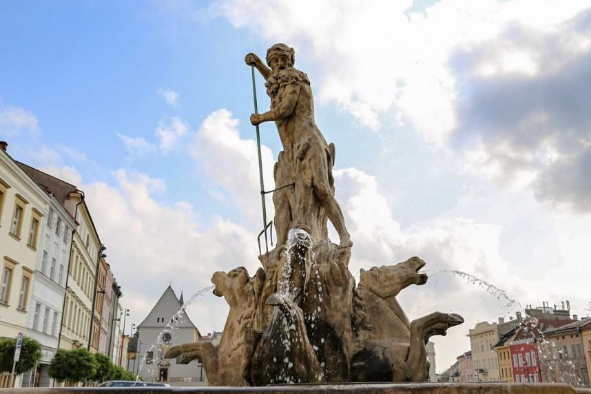 Neptune Fountain, Olomouc