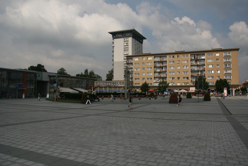 Square, Havirov