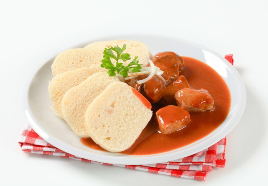 Meat with tomato sauce
