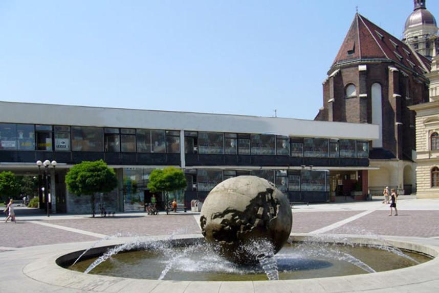 Horni Square