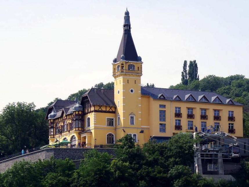Vetruse Castle