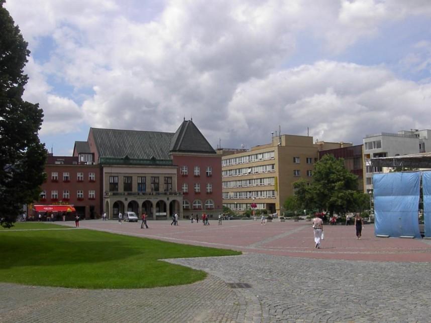 Square, Zlin