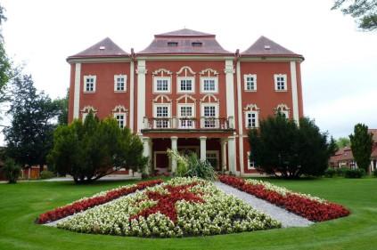 Detenice Castle
