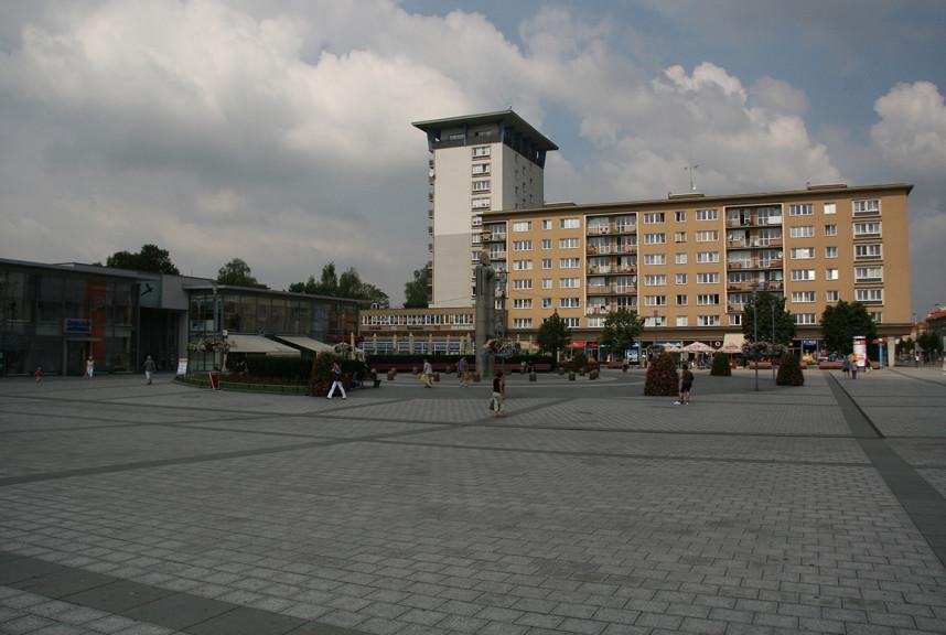 Square, Havirov