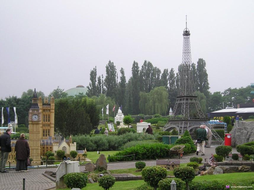 Miniuni, Ostrava