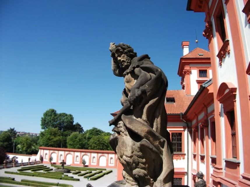 Figure, Troja Palace