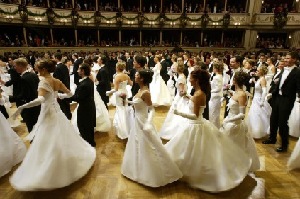 Prague Ball in Opera to be held in British monarchy style